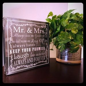 MR & MRS PROMISE  PLAQUE 🆕